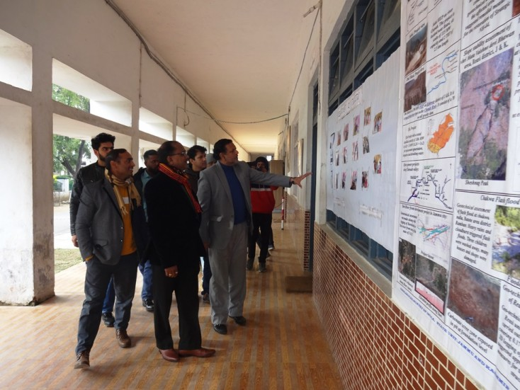 GSI Presents Rare Rock/Mineral and Fossil specimens to GDC Udhampur